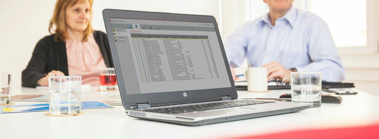 Screenshot ImpoWin - eVV Import Software für elektronische Importzollbelege von finesolutions auf einem Laptop