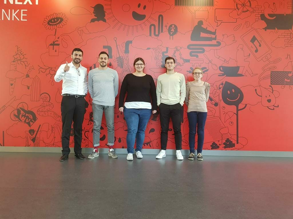 Die Teilnehmer des ersten Inhouse-Lehrgangs mit dem Kursleiter Olcay Erden