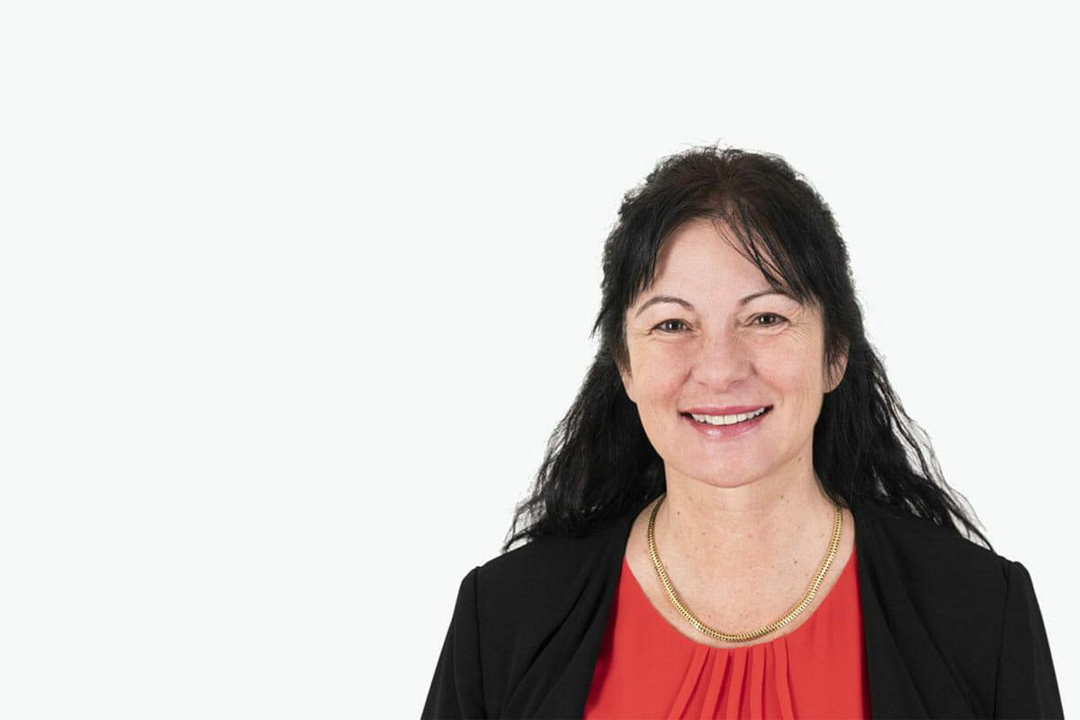 Ich bin gerne für Sie da bei Fragen - Simone Meierhofer, Leiterin Verkauf / Kundenbetreuung