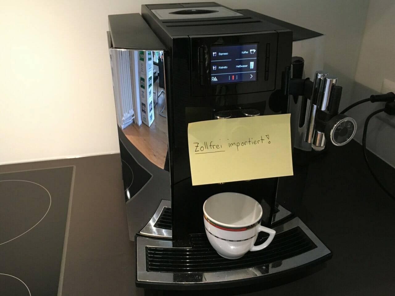 Kaffemaschine mit Notiz